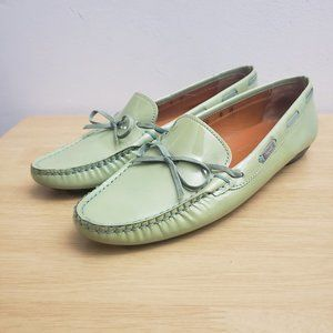 Salvatore Ferragamo Women Leather Green Loafer 6B